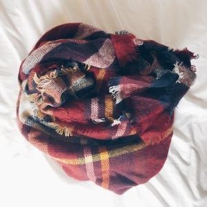 Red/Navy Blanket Scarf